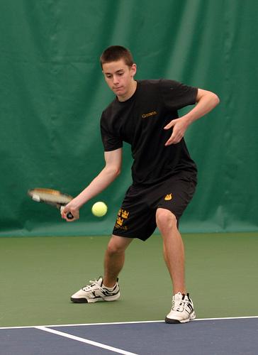 mens tennis clinch share - 364×500